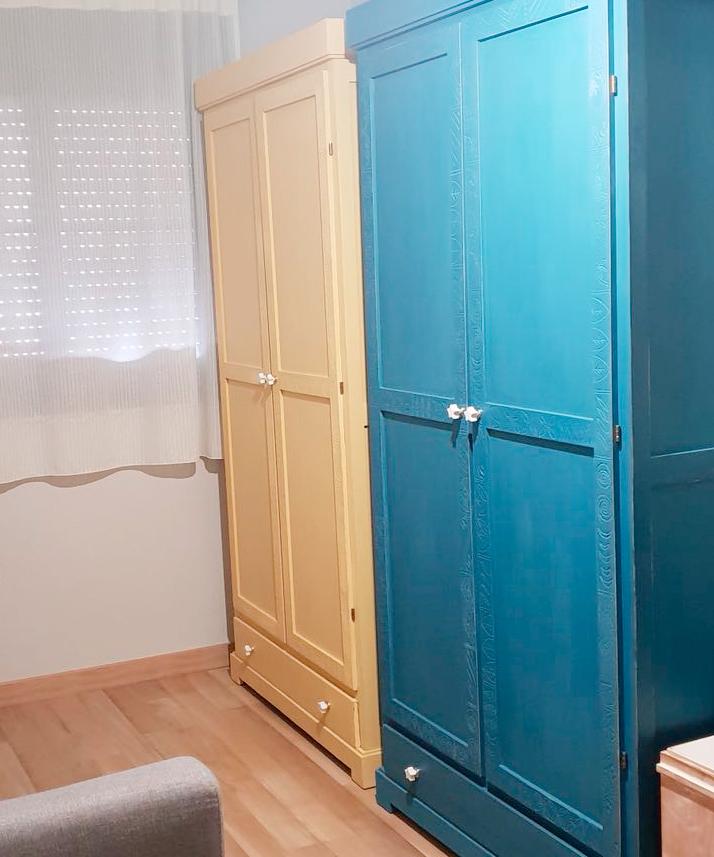 Diy tallar y decorar puertas de armario for Decorar puertas armario